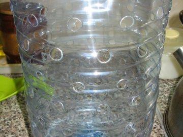 Подготовка бутылки и почвы