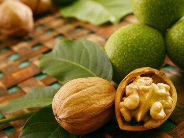 Грецкие орехи: состав и свойства