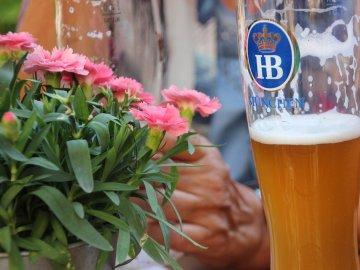 Способы использования пивных дрожжей и пива