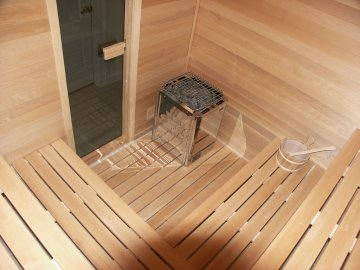 Пол в бане: материал и особенности строения