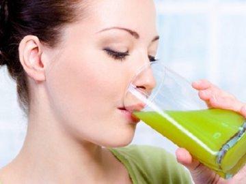 Как грамотно употреблять сок из черешков сельдерея