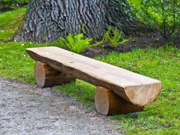 Интересные идеи скамеек из бревна без гвоздей