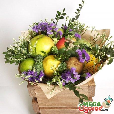 Оригинальные букеты из цветов, фруктов, конфет