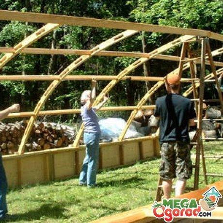 Процесс постройки теплицы