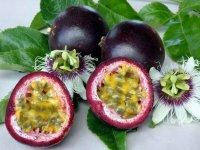 Плоды Маракуйи в разрезе